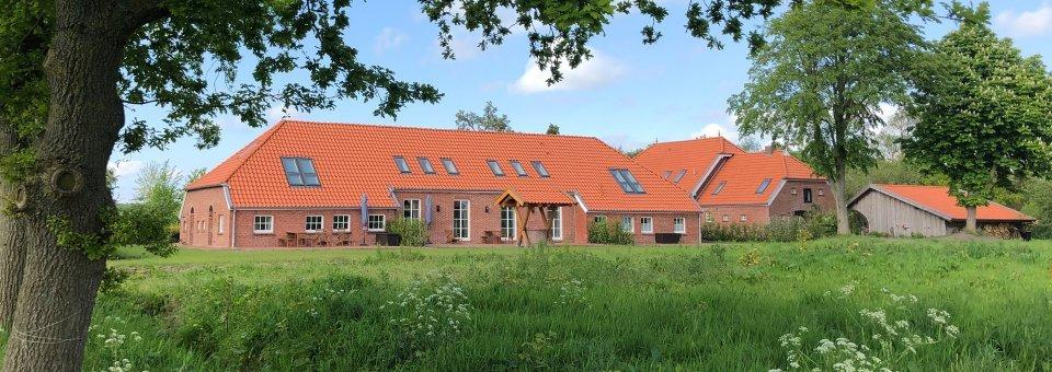 schloss-luetetsburg-ferienwohnung-aussen-02-960x340